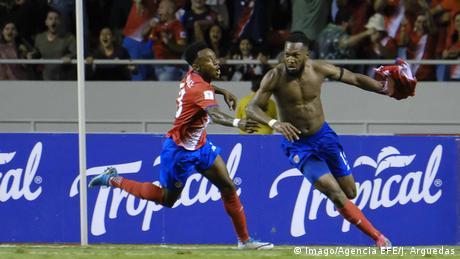 Fußball WM-Qualifikation Tor Kendall Waston Costa vs Rica Honduras (Imago/Agencia EFE/J. Arguedas)