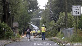 Εικόνες καταστροφής μετά τον τυφώνα «Νέιτ» στις ΗΠΑ.