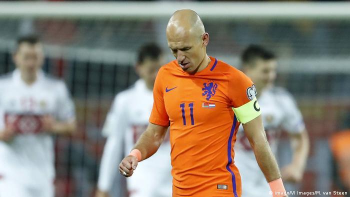 Fußball Stars, deren Teams sich nicht für die WM qualifiziert haben | Robben Niederlande (imago/VI Images/M. van Steen)