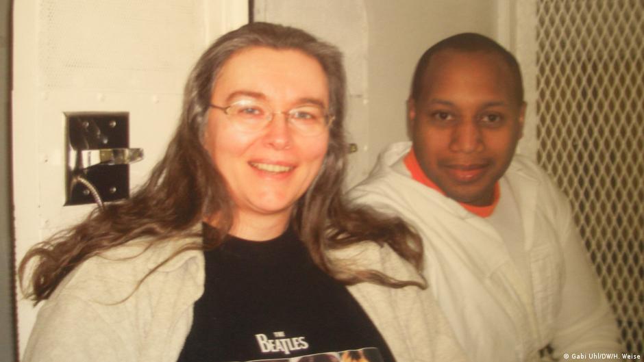 「為何要透過處死罪犯,來證明殺人是錯的?」她與死刑犯當筆友 對死刑完全改觀