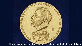 Wirtschafts-Nobelpreis - Medaille (picture-alliance/dpa/Lovisa Engblom/The Nobel Foundation)
