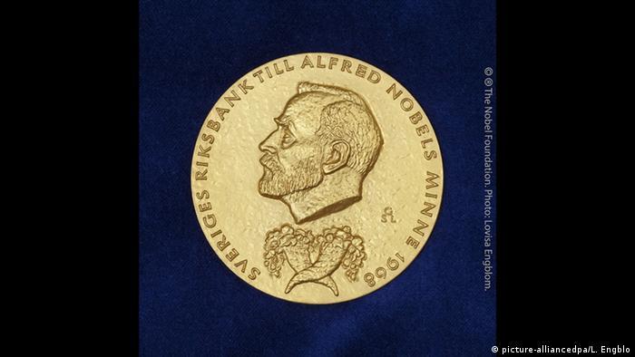 Нобелевская премия по экономике присуждена ученым из Канады и США   Новости  из Германии о Европе   DW   11.10.2021