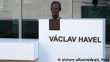 Denkmal Vaclav Havel vor dem Europarat in Straßburg