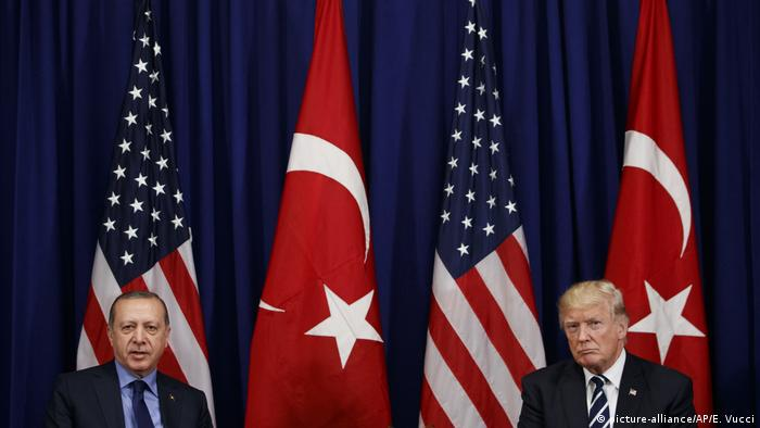 USA New York Trump trifft Erdogan (picture-alliance/AP/E. Vucci)