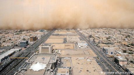 BdT Saudi-Arabien Sandsturm über Riad