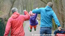 Berlin Schwules Paar mit Kleinkind