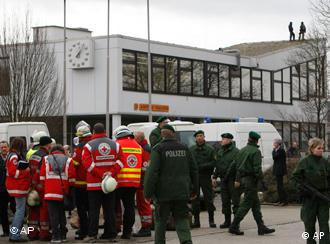 Police and rescue teams at the Albertville school near Stuttgart