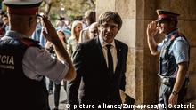 Spanien Carles Puigdemont Ankunft im Parlament in Barcelona
