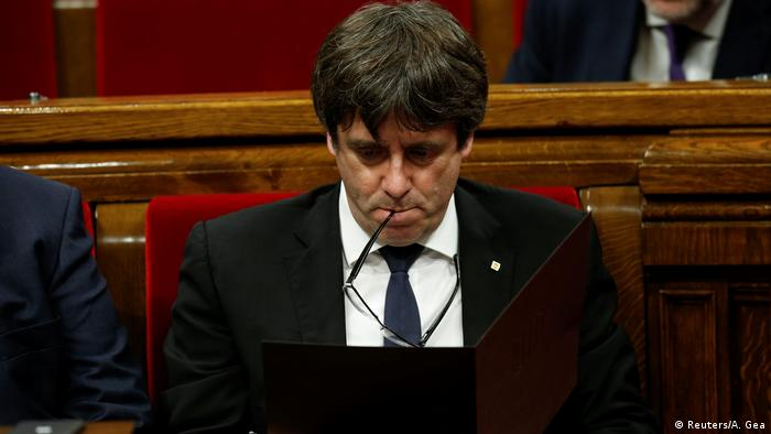 Spanien Parlament in Barcelona Carles Puigdemont (Reuters/A. Gea)