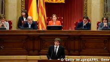 Spanien Parlament in Barcelona Carles Puigdemont (Getty Images/AFP/L. Gene)