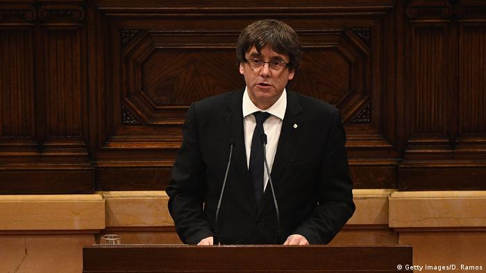 Spanien Parlament in Barcelona Carles Puigdemont (Getty Images/D. Ramos)