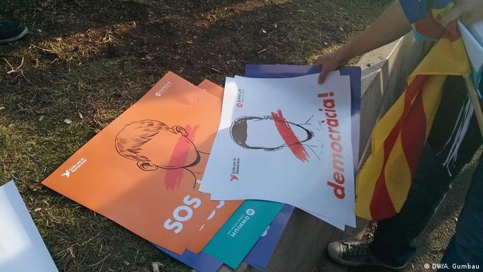 Spanien Demo für die Abspaltung in Barcelona vor der rede von Puigdemont