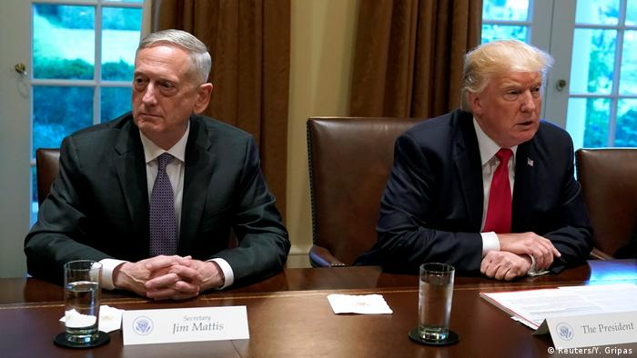 USA Donald Trump und James Mattis (Reuters/Y. Gripas)