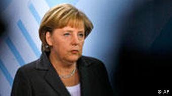 Bundeskanzlerin Angela Merkel bei einer Pressekonferenz zum Amoklauf in Winnenden 11.03.2009