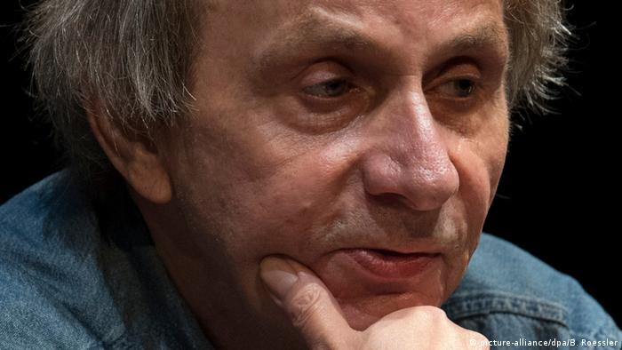 At the Book Fair in Frankfurt - Michel Houellebecq (picture-alliance/dpa/B. Roessler)