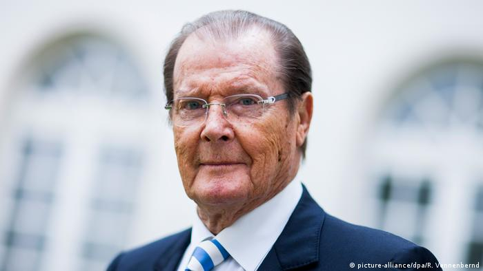 Roger Moore (picture-alliance/dpa/R. Vennenbernd)