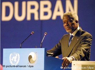 Kofi Annan eröffnet die Konferenz am 31. August 2001 (ap)