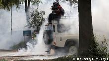 Des images qui n'augurent rien de bon: deux manifestants ont été tués vendredi 13 octobre dans l'ouest du Kenya