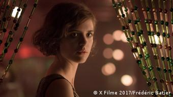 A portrait of Liv Lisa Fries out of the German TV series Babylon Berlin (X Filme 2017/Frédéric Batier)