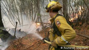 USA Feuerwehr bekämpft Brände in Calistoga