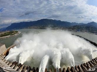 Der Drei Schluchten Damm in China (Foto: AP)
