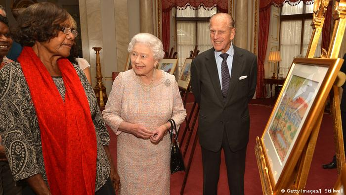 Lenie Namatjira, a granddaughter of the artist, presented England's Queen Elizabeth with two paintings in 2013.