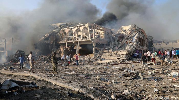Hotel onde ataque ocorreu ficou totalmente destruído