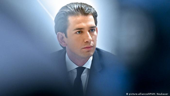 Österreich Pralamentswahl Sebastian Kurz ernst (picture-alliance/APA/H. Neubauer )