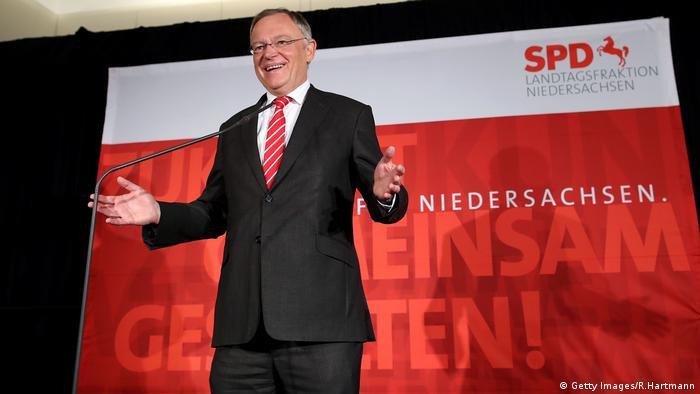 Победитель выборов в Нижней Саксонии - социал-демократ Штефан Вайль