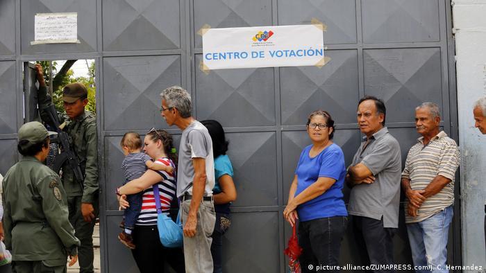 Venezuela Regionalwahlen (picture-alliance/ZUMAPRESS.com/J. C. Hernandez)