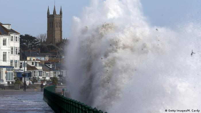 Waves in Penzance (Getty Images/M. Cardy)