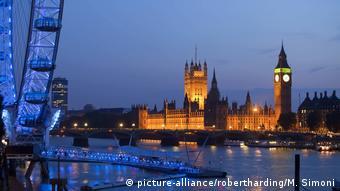 O Tάμεσης και το βρετανικό κοινοβούλιο, σύμβολο της δημοκρατίας, ενέπνευσαν τους Γάλλους ιμπρεσιονιστές