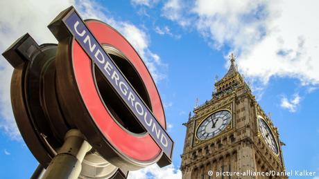 M. Bρετανία: Άρση καραντίνας για τουρίστες από 50 χώρες