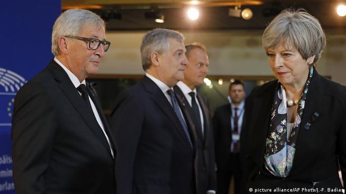 Theresa May and Jean-Claude Juncker (Reuters/H. McKay)