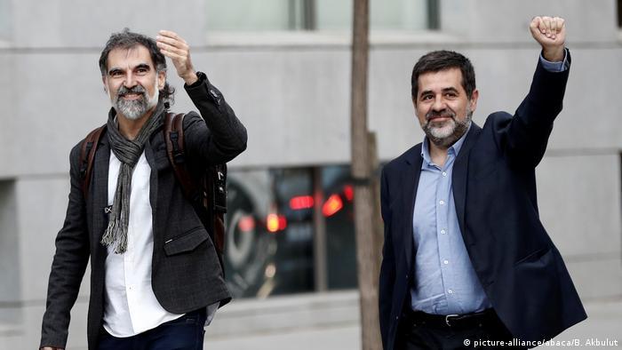 A prisión líderes de dos entidades secesionistas de Cataluña