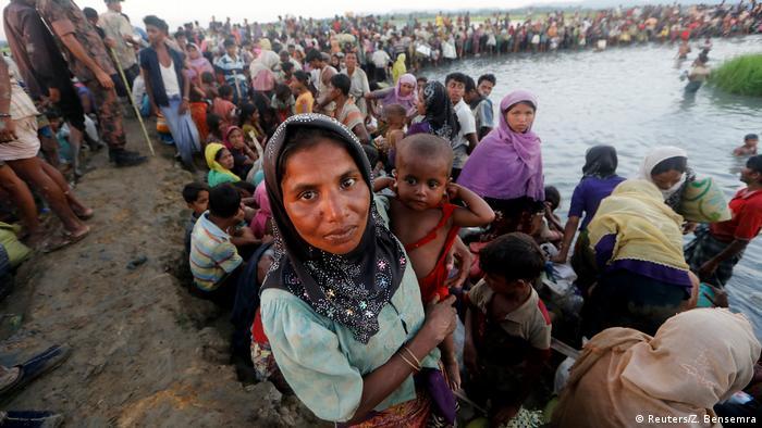 Bangladesch Rohingya fliehen aus Myanmar (Reuters/Z. Bensemra)