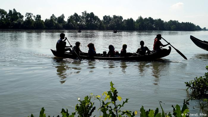 Бангладеш, біженці рохінджа втікають із М'янми