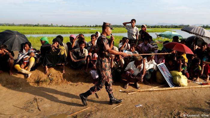 Bangladesch Rohingya fliehen aus Myanmar (Reuters/J. Silva)