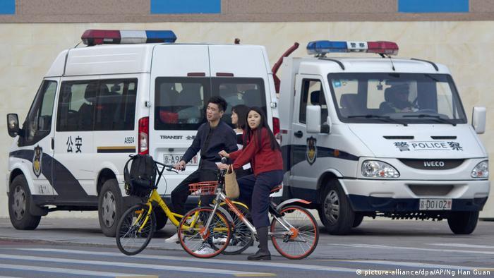China Vorbereitungen für Parteitag der Kommunistischen Partei | Sicherheit (picture-alliance/dpa/AP/Ng Han Guan)