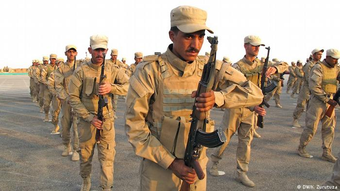 Syrien Bilder aus Kobane | Militär (DW/K. Zurutuza)