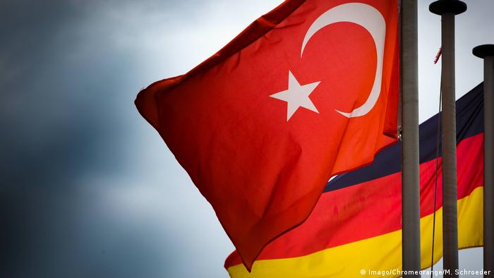 German and Turkish flags (Imago/Chromeorange/M. Schroeder)