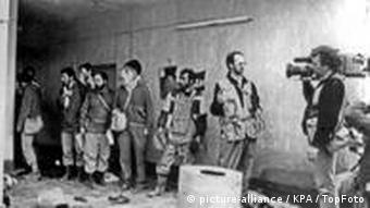 Wenige Tage nach dem Giftgas-Angriff durchstreifen Kamera-Teams Halabdscha (Foto: dpa)