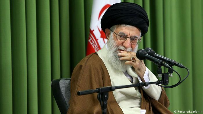 Iran Ayatollah Ali Khamenei, Oberster Religionsführer   Gespräch mit Studenten (Reuters/Leader.ir)