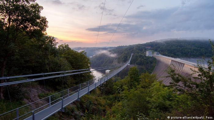 Deutschland Harz Hängebrücke Titan-RT (picture-alliance/dpa/U. Poss)