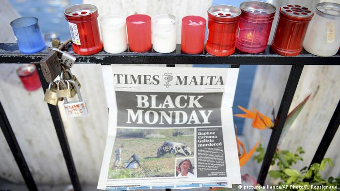 Malta Trauer nach Mord an Daphne Caruana Galizia, Journalistin (picture-alliance/AP Photo/R. Rossignaud)