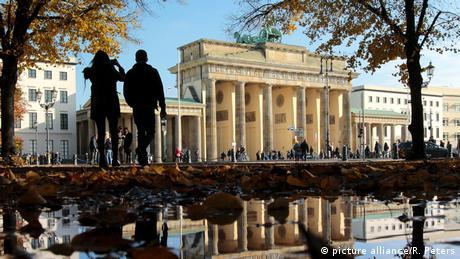 """Γερμανία: """"Δογματική προσήλωση"""" στα μηδενικά ελλείμματα;"""