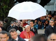 Benedicto XVI: malas relaciones públicas.