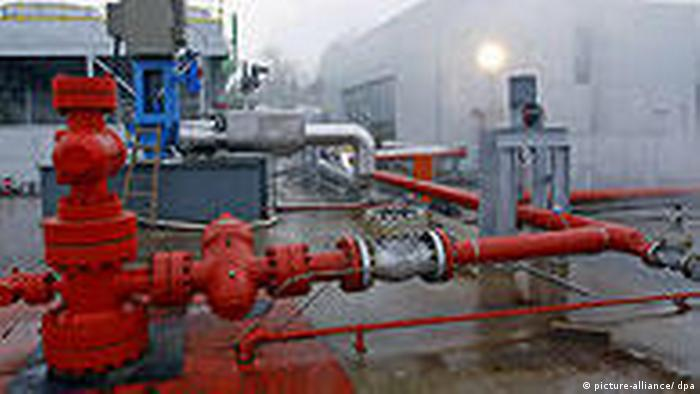 Picture of the piping at a geothermal power plant in Landau, Germany