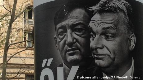 Hungary - Jobbik election poster with Viktor Orban and Lorinc Meszaros (picture alliance/dpa/AP Photo/P. Gorondi)