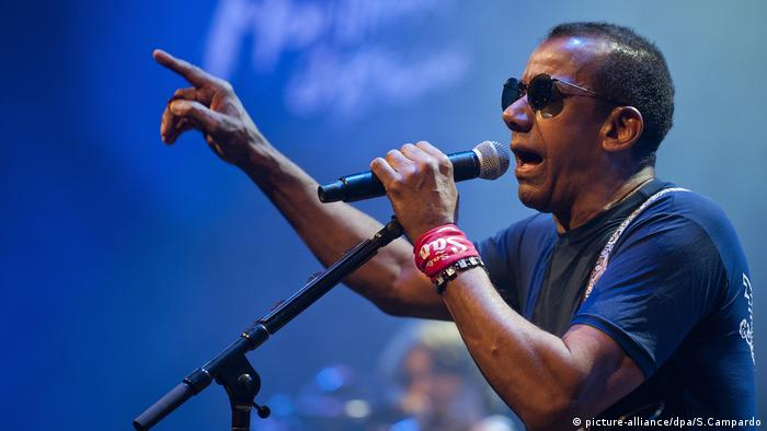Jorge Ben Jor in der Schweiz (picture-alliance/dpa/S.Campardo)